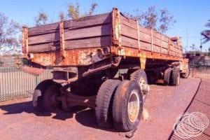 Long bay semi-trailer