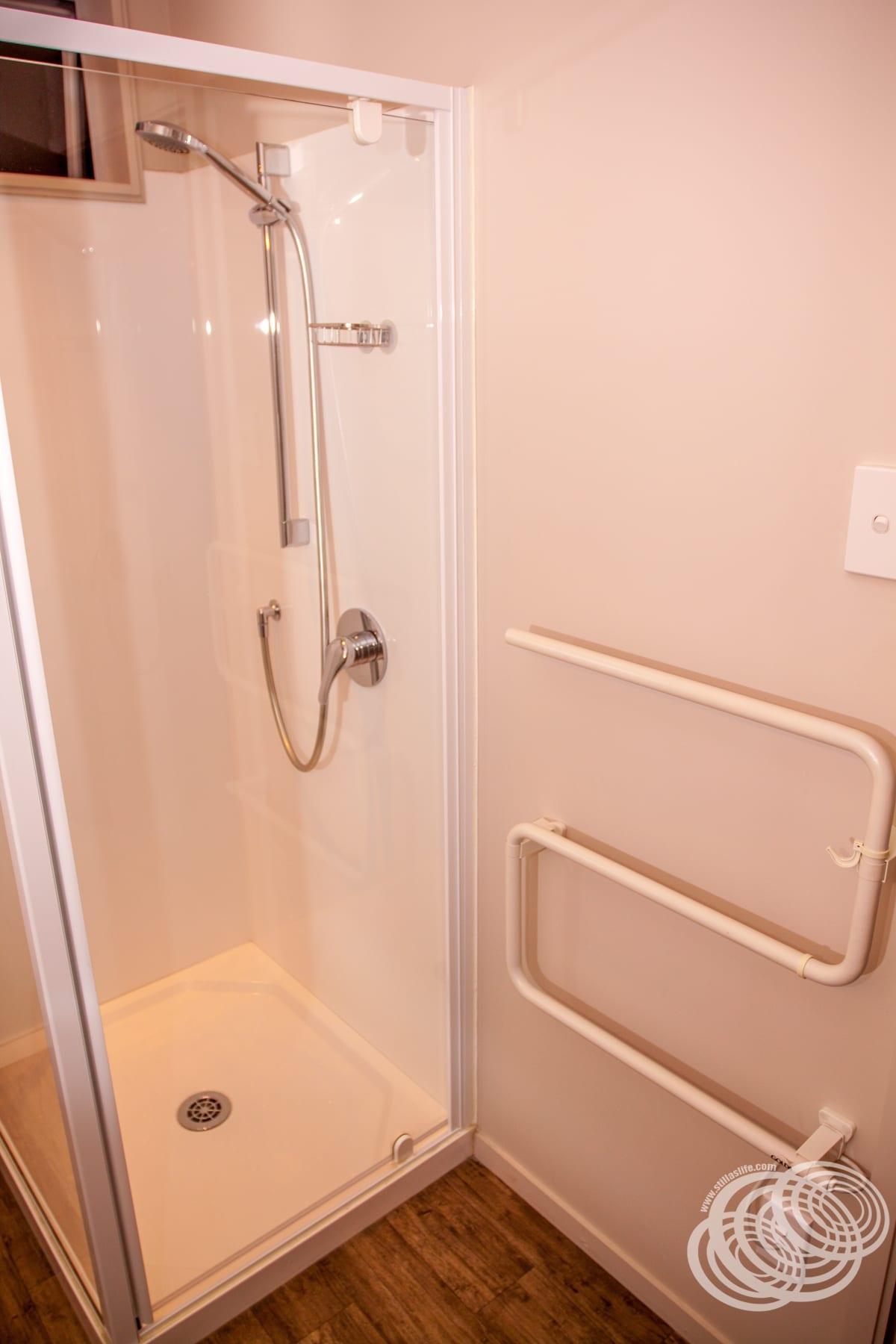 Greyfriars Motel Greytown Garden Room Heated Towel Rail