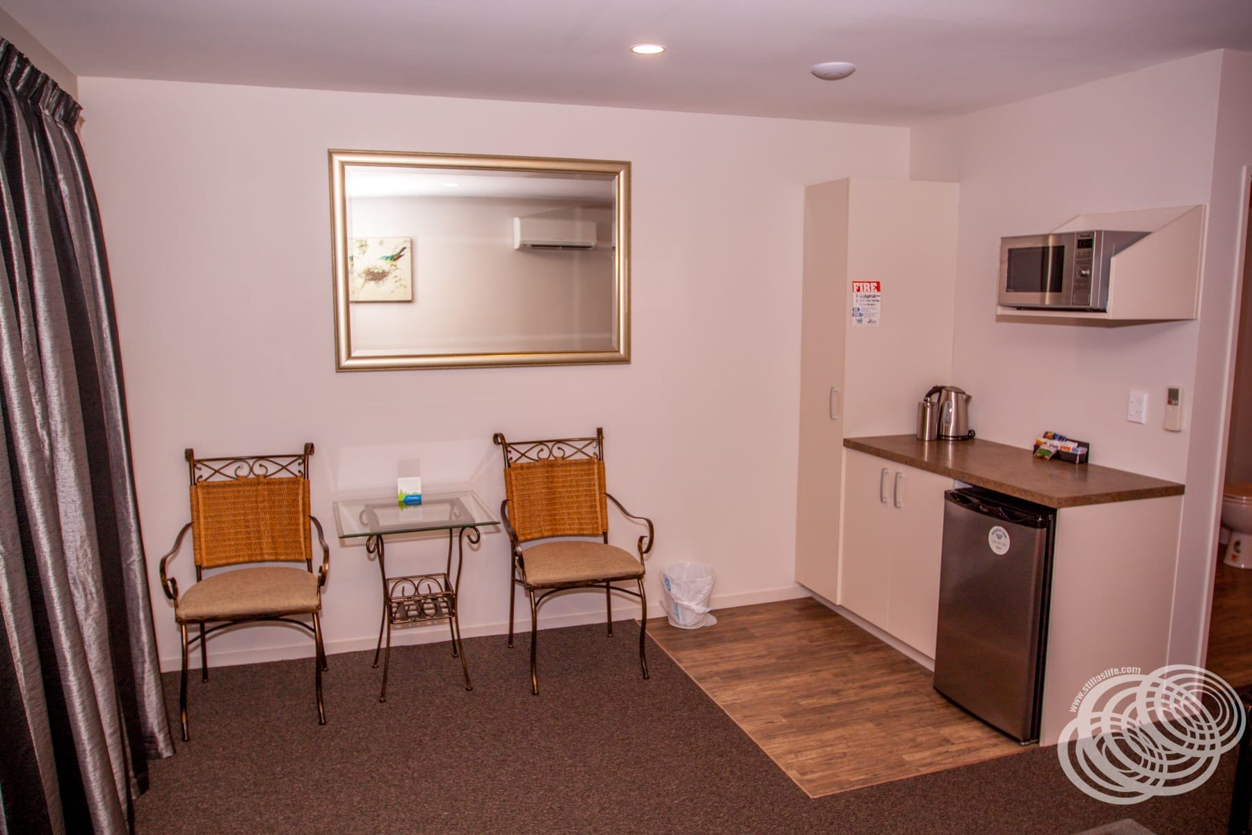 Greyfriars Motel Greytown Garden Room Kitchenette and Dining
