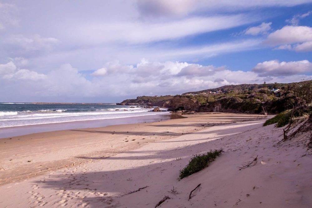 Sandy Caves Beach